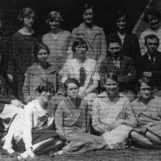 Photograph of Muriel Fletcher (second from left, middle row) with students and staff of the School of Social Science, 1926-27
