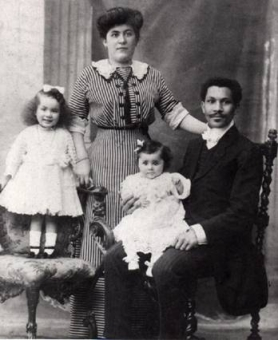 Simone, Juliette, Louise and Joseph Laroche